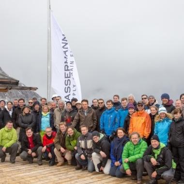 Das Team der Wassermann AG beim Halbjahresmeeting auf der Zugspitze.