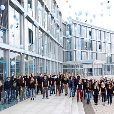 Jährlich begrüßen wir rund 120 neue Auszubildende und duale Studenten an unseren Standorten Esslingen-Berkheim und St. Ingbert-Rohrbach.