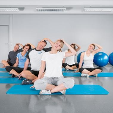 Fitnesskurse, Ernährungs- und Nichtraucherworkshops sind nur einige Zusatzleistungen, die wir unseren Mitarbeitern bieten.