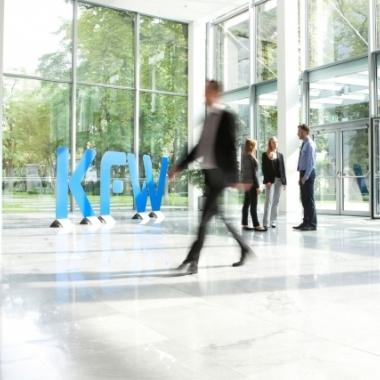 Eingangsbereich Haupthaus in Frankfurt (Quelle:  KfW Bankengruppe / Fotograf: Alexander Kempf)