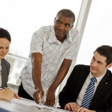 Unsere Teams arbeiten in einem spannenden und interkulturellen Arbeitsumfeld.