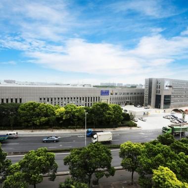 Unser Standort in Shanghai: Mit Produktionsstandorten auf mehreren Kontinenten, 50 Servicestützpunkten weltweit und Exportbeziehungen in über 110 Länder ist Schenck RoTec ein internationales ...