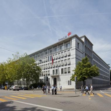 Swiss Life Hauptgebäude am General-Guisan-Quai in Zürich