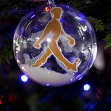 """Sogar die Weihnachtsbaumkugeln sind im """"cleverman-Style"""""""