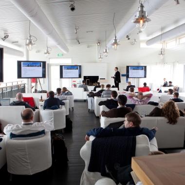 Vortrag von Dr. Oliver K. Breme auf einem unserer cleverbridge networking events.