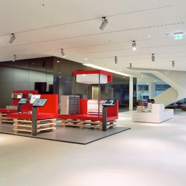 Under Construction: Showroom im Vertriebs- und Kundenzentrum des Klimageräteherstellers Stulz. Prämiert mit dem Iconic Award 2014.