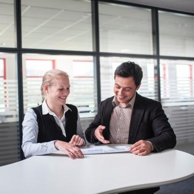 Austausch ist wichtig: Platz und Zeit für abteilungsübergreifende Kommunikation