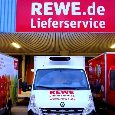 Fahrzeuge unseres REWE Lieferservices