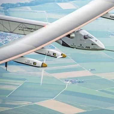 Solar Impulse: Solvay ermöglicht mit Forschungsbeiträgen und Produktinnovationen den ersten bemannten Solar-Flug um den Globus.