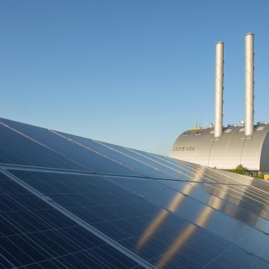Das erste BürgerInnen Solarkraftwerk am Gelände des Kraftwerk Donaustadt.   (c) Wien Energie/ Wiener Wildnis