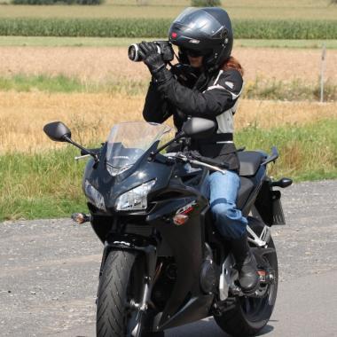 Detektive unserer Detektei benötigen die Fahrerlaubnis Kl. A, die während der Ausbildung erworben werden kann.