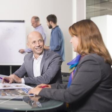 Aktuelle Stellenangebote bei der Mediengruppe sowie den dazugehörigen Zeitungstiteln und Tochterfirmen finden Sie unter Madsack.de/Jobs.
