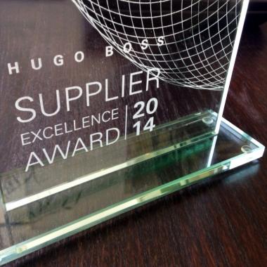 Auszeichnungen gibt's eher unter der Woche. Zum Beispiel die, als bester Dienstleister für Hugo Boss!