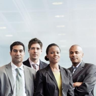 Innovation, Teamgeist und Internationalität haben in den Unternehmen der TÜV NORD GROUP mehr als 10.000 Gesichter.