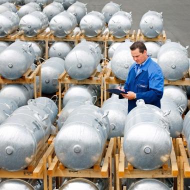 Die Prüfung von Druckbehältern in industriellen Anlagen ist Aufgabe der Industrie Services von TÜV NORD © TÜV NORD GROUP/Udo Geisler