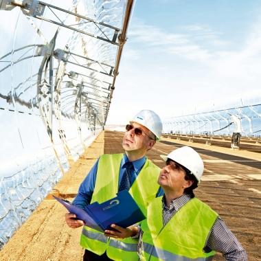Solaranlage Andasol III TS Power Plant in La Calahorra, Spanien: Ingenieure von TÜV NORD und Euroconsult bei der technischen Überwachung © TÜV NORD GROUP/Gunnar Knechtel