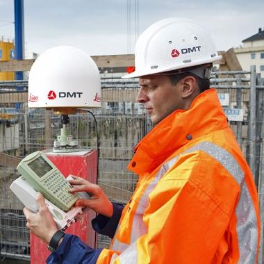 DMT-Ingenieure nutzen die hochgenaue GNSS-Vermessung zur Überwachung im Baustellenbereich © DMT, Essen