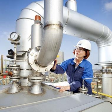 Druckbehälterprüfung im Chemiepark Marl © TÜV NORD GROUP