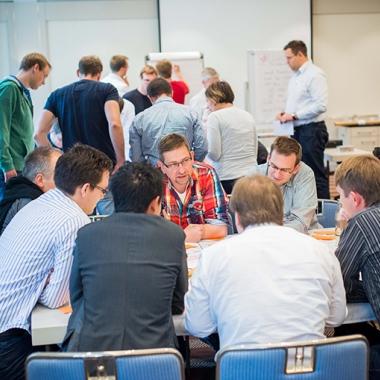 """""""Gemeinsam kreativ – die besten Ideen….""""- Die besten Ideen entstehen im Team. Hier können sich Zühlkianer ergänzen, ihr Wissen teilen und gemeinsam an Projekten arbeiten."""