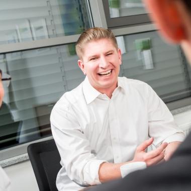 blu Berater unterstützen bei der täglichen Herausforderung unserer Kunden leistungsfähige IT Infrastruktur zu realisieren und optimieren. Analyse, Planung und Implementierung von innovativen als ...
