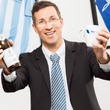 """Als authentisch-lokal-bayrisches Unternehmen lädt die blu ihre Mitarbeiter regelmäßig zu """"blu Bierchen Events"""" ein. Eine gute Gelegenheit für alle im Projekt vergrabenen sich mit den anderen ..."""
