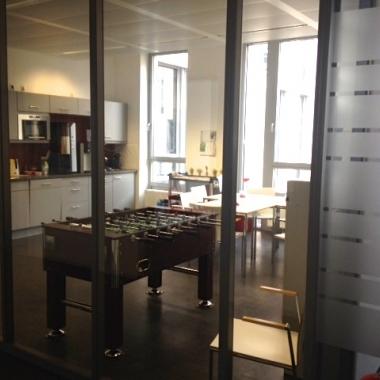 Kurze Pause am Tischkicker in München