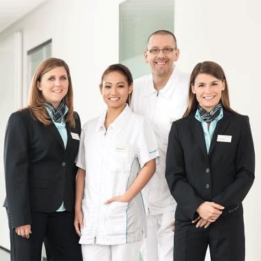 Mitarbeitende einer Hirslanden Klinik