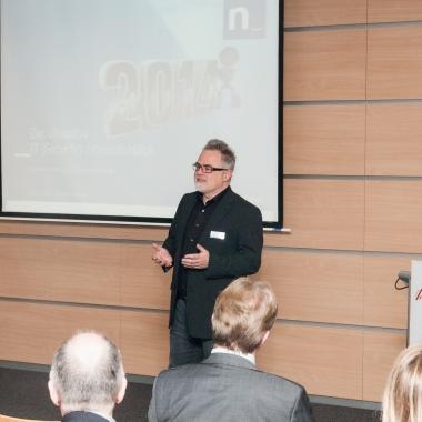 """Netlution Neujahrempfang – Ein Event mit vielen Highlights und dem schon legendären """"Ultimativen Jahresrückblick"""" unseres Kollegen Markus Beckhaus."""