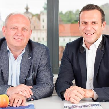 Willi Salomon (Geschäftsführer CGM Clinical Österreich GmbH) und Hannes Reichl (Vorstand Stationäre Einrichtungen der CompuGroup Medical SE & Co. KGaA).