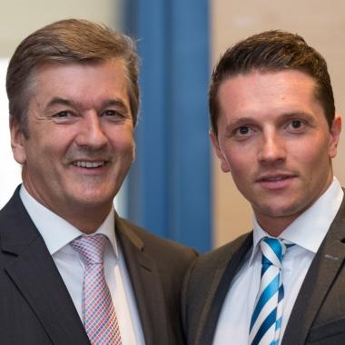 Regionaldirektor und Senior Partner Hans-Heinrich Meller mit Finanzplaner Tom Herrmann