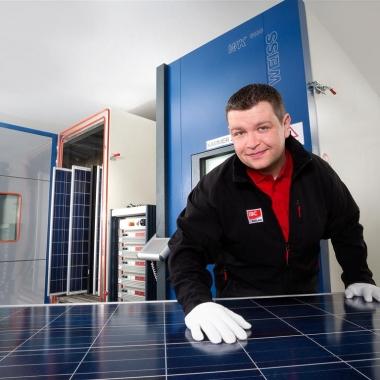 Die laufende Qualitätssicherung nach ISO-Normen erfolgt unter anderem im eingenen Testlabor mit Klimakammern