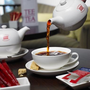 Tauchen Sie ein in die Welt des Tees und erleben Sie puren Genuss!