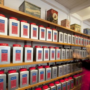 Demmers Teehaus ist der Tee-Spezialist mit über 300 verschiedenen Sorten.
