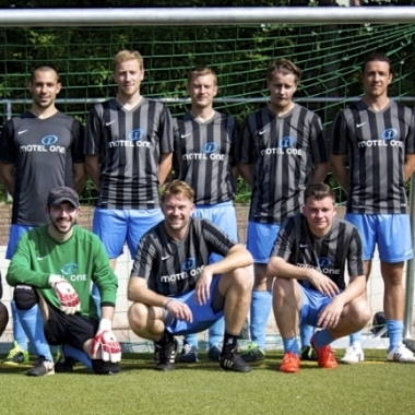 Der One Cup ist das jährlich stattfindende Fußballturnier bei dem Mannschaften aus allen Motel One Standorten gegeneinander antreten.