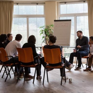 Intensiver Austausch in kleiner Runde - Die Xenium AG auf ihrem Workshop in Tatzelwurm 2015