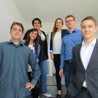 Unsere ehemaligen Azubis und Studenten. Allen konnten wir 2014 den Start ins Berufsleben ermöglichen.
