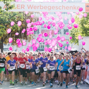 """Seit der Premiere ist ADLER schon Sponsor des Frauenlaufs SaarLorLux in Saarlouis. 2013, 2014 und 2015 gewannen wir Gold in der Kategorie """"Größtes Team""""."""