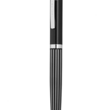 Bevor ein Kugelschreiber oder Rollerball ins ADLER Sortiment aufgenommen wird, durchläuft er ein langes Prüfverfahren: jede Komponente, jedes Detail, von der Mine über die Mechanik bis hin zum ...