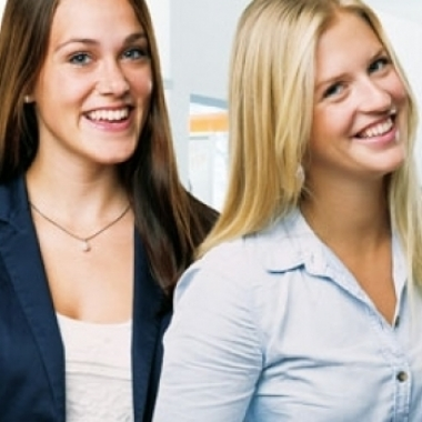 Jessi und Franzi - Auszubildende bei der DAK-Gesundheit
