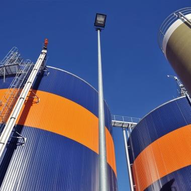 Die Fermenter (Silos) der Bioerdgas-Anlage in Rathenow