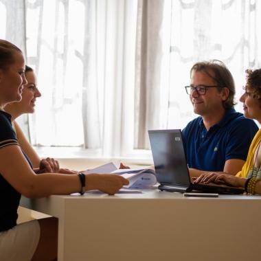 Meeting in der Firmenzentrale Lacoste Germany GmbH, München
