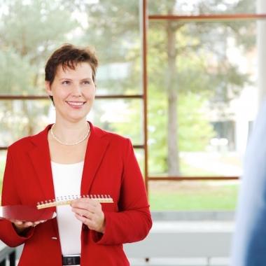 Ines arbeitet als Qualitätsingenieurin in München.