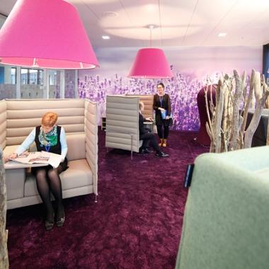 Lavendel Lounge - der Raum, in dem wir in Ruhe arbeiten können, wenn wir möchten