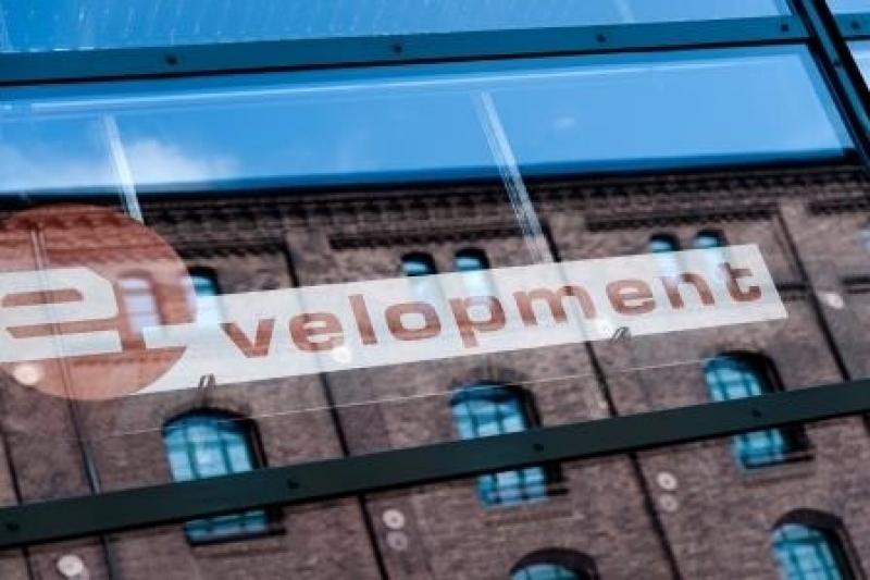 e-velopment GmbH
