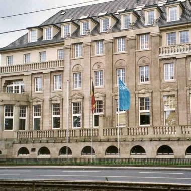 Niederlassung Köln SAS Institute GmbH Oberländer Ufer 184 50968 Köln  Telefon  0221 3675 - 0 Fax        0221 3675 - 100