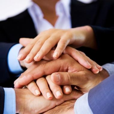 Firmenkultur der Offenheit und Transparenz. Wir legen großen Wert auf einen offenen und freundlichen Umgang miteinander.