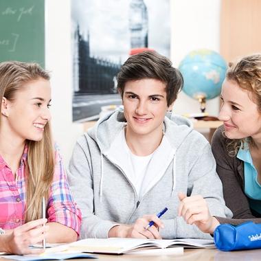 Wir arbeiten intensiv mit jedem Schüler und helfen ihm, seine Noten zu verbessern.