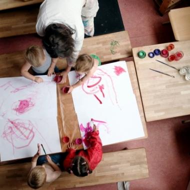 In unseren Kinderhäusern gibt es zahlreiche Angebote in Kunst- und Musikpädagogik.