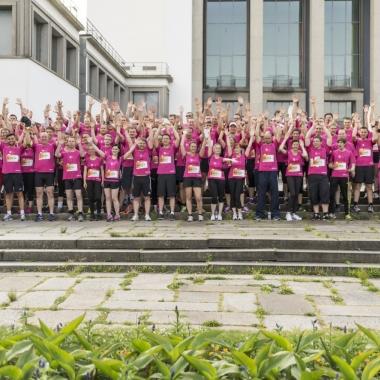 Mit über 250 Läufern waren wir 2015 das teilnehmerstärkste Unternehmen beim Firmenlauf in Dresden - Sport frei!