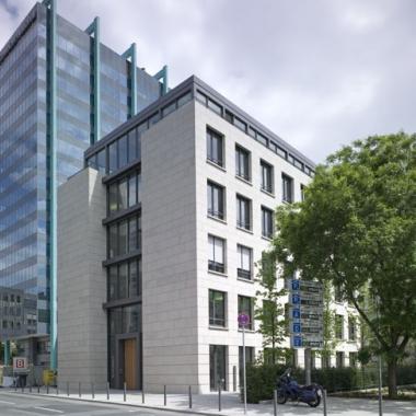 Geschäftsgebäude mit Service Center der Nassauischen Heimstätte in der Hofstr. 5, Frankfurt a.M.